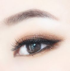 Trendy Party Makeup Ideas Make Up Eyeliner Ideas Natural Eye Makeup, Eye Makeup Tips, Skin Makeup, Makeup Eyeshadow, Makeup Ideas, Makeup Hacks, Eyeshadow Palette, Makeup Brushes, Sparkly Eyeshadow