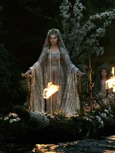 Isolde wedding dress from Movie Tristan and Isolde 2006 Fantasy Book Series, Fantasy Books, Story Inspiration, Character Inspiration, Magick Book, Wedding Movies, Early Middle Ages, Beltane, Fantasy Dress