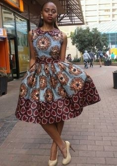 afrikanische kleider Proportion: Print and border 46 Of The Most Trending Street Style Looks To Wear Asap Proportion: Print and border Source African Dresses For Women, African Print Dresses, African Attire, African Wear, African Fashion Dresses, African Women, African Prints, African Outfits, African Style