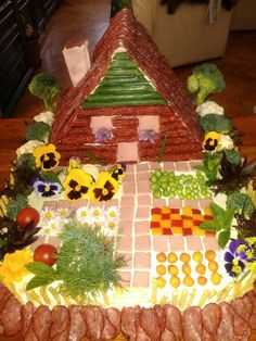 Scary Food, Make A Gingerbread House, Candy House, Charcuterie Board, Food Festival, Food Art, Special Day, Holiday Recipes, Projects To Try