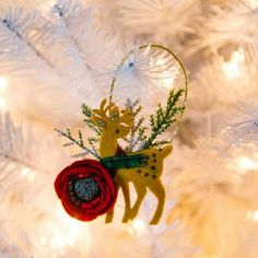 Our reindeer ornaments are a crowd-pleaser this Christmas.  Use code HAPPYSHOPPING on any order, including our Christmas item's.  Reindeer ornaments on display ⛄.