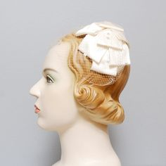 1950s Fascinator  Ivory Bow Fascinator with by OldFaithfulVintage, $35.00