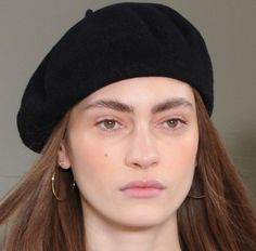 Fashion Gone rouge: Photo Beauty Makeup, Hair Makeup, Hair Beauty, Beret Outfit, Fashion Gone Rouge, French Chic, Up Girl, Face And Body, Hair And Nails