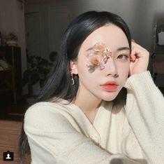 Image in ❤girl❤ collection by K on We Heart It Pretty Korean Girls, Cute Korean Girl, Asian Girl, Korean Best Friends, Korean Photo, Bff Girls, Korean Ulzzang, Uzzlang Girl, Beautiful Morning