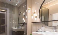 Uma boa luminária para banheiro é um item essencial na hora de decorar o seu espaço íntimo. Confira algumas ideias para você se inspirar! Bathroom Lighting, Mirror, House, Furniture, Home Decor, Humor, Closet, Ideas, Light Fixtures For Bathroom