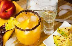 Coctel de Piña, Durazno y Mezcal