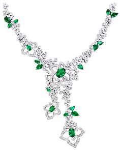 Piaget Limelight Garden Party necklace in 18K white gold, set with 4 oval-cut emeralds (approx. 7.01 ct), 14 pear-cut emeralds (approx. 8.66 ct) and 413 brilliant-cut diamonds (approx. 23.27 ct).