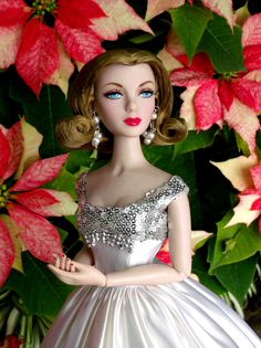 Prego: It's Christmas Eve.. and Miss Gene Marshall loves Poinsettias! by Paradise Blue