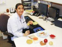 Dietitian Humaira Maqbool says people can eat healthy if they plan ahead. Here are some tips!