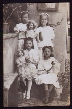 Girls, dolls & tennis