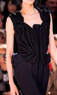 Yohji Yamamoto  amazing pleats