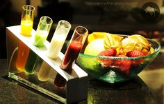 #Jam #Presentation Trendy sauces or jams presentation inspired by science labs and designed by www.the-glass-co.com ! Code: RP-08-14 Ask us at info@myglassstudio.com Breakfast Presentation, Science Labs, Plate Design, Sauces, Watermelon, Plates, Inspired, Fruit, Food