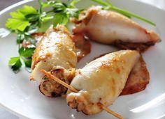 Τα πιο εύκολα γεμιστά καλαμάρια Ένα πιάτο άκρως καλοκαιρινό! Calamari, Greek Recipes, Baked Potato, Food To Make, Turkey, Tasty, Restaurant, Fish, Meat