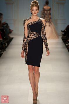 Pavoni Little Black Dress Fabulous Dresses, Beautiful Gowns, Sexy Dresses, Nice Dresses, Short Dresses, Vestidos Fashion, Fashion Dresses, Lace Dress, Dress Up