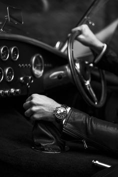 """anothereverythingandnothing: """" Photographer Jennifer Stenglein Model Tyson Mullane on March 2017 Citizen Dive Watch, Look Man, Man Photography, Lifestyle Photography, Its A Mans World, Poses For Men, Gentleman Style, Vintage Gentleman, Dapper Gentleman"""