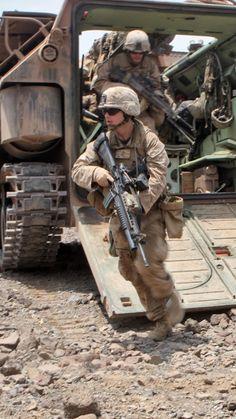 AAV, U.S. Marine, amtrack, assault amphibious vehicle, LVTP-7, U.S. Army