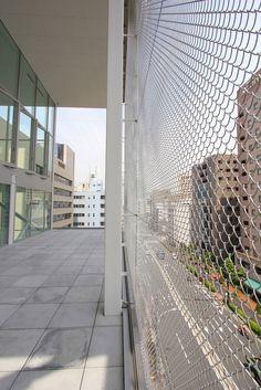 wire mesh facade. kazuyo sejima: shibaura house