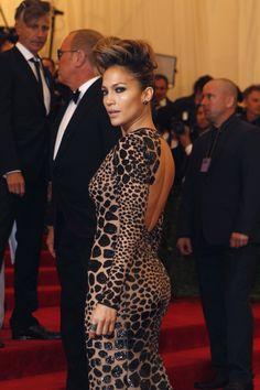 Met Gala 2013: Jennifer Lopez...hair, dress....caliente