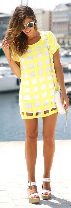 White and yellow shift dress. Latest summer trends 2015.