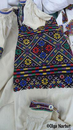 PREKRASA: Яскрава вишивка Західної України. Ukrainian embroidery, Ukrainian traditional clothing, Ukrainian patterns