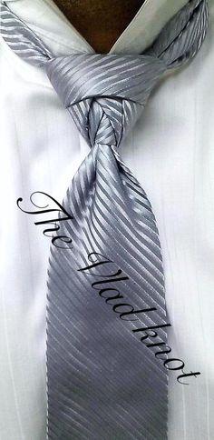 Knot by Boris Mocka Cool Tie Knots, Cool Ties, Knotty Tie, Mens Sweat Suits, Fancy Tie, Suit Guide, Tie A Necktie, Men Closet, Tie Styles