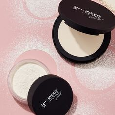 IT Cosmetics Bye Bye Pores Translucent Loose Setting Powder minimizes the look of pores and imperfections for an airbushed, flawless makeup look. Benefit Cosmetics, It Cosmetics Bye Bye Pores, Airbrush Make Up, Anti Aging, Makeup Setting Powder, Talc, Grape Seed Extract, Translucent Powder, Finishing Powder