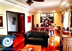 #Apartamento alto-padrão na #AlamedaSantos, próximo à #AvenidaPaulista! Com 233m², o imóvel possui 3 quartos (sendo 1 suíte) enormes com armários!