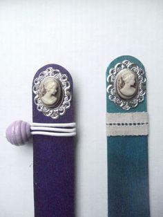 A Spoonful of Crafts: Bogmærke af træpind / Bookmark - Wooden Stick