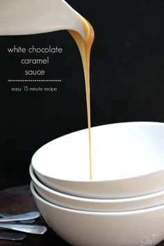 White Chocolate Caramel Sauce - easy 15 minute recipe This White Chocolate Caramel Sauce is deliciously creamy. It works well with any dessert recipe, or you can eat it by the spoonful. White Chocolate Sauce, Chocolate Sauce Recipes, Chocolate Caramels, Chocolate Cheesecake, Chocolate Frosting, Chocolate Chocolate, Chocolate Pudding, Homemade Chocolate, Sweet Desserts