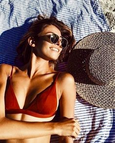 Bikinis for little women: You have to pay attention!, Bikinis for little women: You have to pay attention! Bikinis, Bikini Swimwear, Swimsuits, Beach Vibes, Summer Vibes, One Piece Swimwear, One Piece Swimsuit, Skinny Jeans Damen, Beach Pink