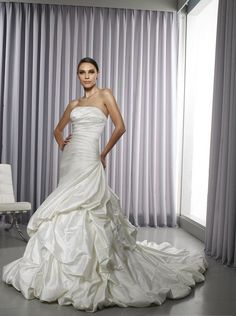 A+Line+Princess+Strapless+Chapel+Train++wedding+dress+for+brides+2011+Style(WD0291)
