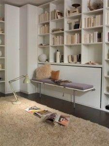 lit escamotable qui se transforme en banquette pour optimiser l'espace