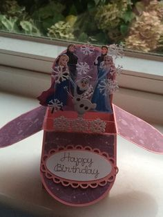 Frozen card box Frozen Birthday, Happy Birthday, Frozen Cards, Little Boxes, Palm Beach Sandals, Stampin Up, Birthday Cards, Party, Crafts