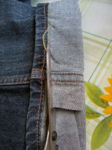 Really easy way to shorten jeans keeping the original hem