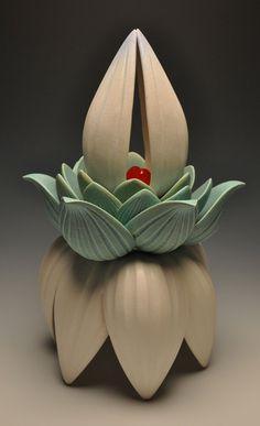 Ceramic Pottery, Pottery Art, Ceramic Art, Glass Flowers, Ceramic Flowers, Abstract Sculpture, Sculpture Art, Sculptures, Kitsch