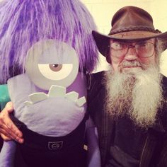 Uncle Si has a new BFF....