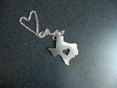 Even James Avery ♥'s Texas! Of course, who doesn't, right?! (And yes I am a True Texas Girl! I know like y'all couldn't tell!)