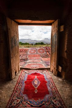 Knot – Silk Road Gallery - Iran Persian Rug The Effective Pictures We Offer You About persian rugs n Persian Carpet, Persian Rug, Portal, Teheran, Iran Travel, Armenia Travel, Mekka, Persian Culture, Magic Carpet