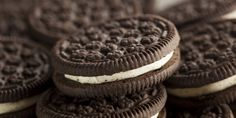 You want to dunk Oreos. Milk stouts have the right amount of body and a hint of sweetness that doesn't get in the way of what Oreos. Biscuit Oreo, Oreo Biscuits, Oreos, Trifle, Oreo Frosting, Rice Cooker Recipes, Gluten Free Cheesecake, Oreo Cheesecake, Healthy Carrot Cakes