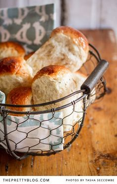 The best way to describe mosbolletjies is that it's a sweet brioche, traditionally made with fermented grape juice. South African Dishes, South African Recipes, Africa Recipes, Pastry Recipes, Cooking Recipes, Rusk Recipe, Wine Recipes, Buttermilk Rusks, Love Food