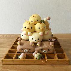 Rilakkumar & friends pull apart bread by Japanese Pastries, Japanese Bread, Japanese Food Art, Japanese Sweets, Cute Snacks, Cute Food, Yummy Food, Pan Dulce, Desserts Japonais