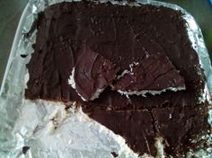 Healthy chocolate coconut bars