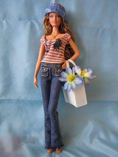 https://flic.kr/p/6hN3ag | South Beach Barbie | Necklace, earrings and flower…