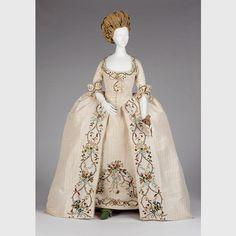 18th century British Full Dress. Petticoat and open robe.  Source: Phoenix Museum of Art  1987.C.47.A