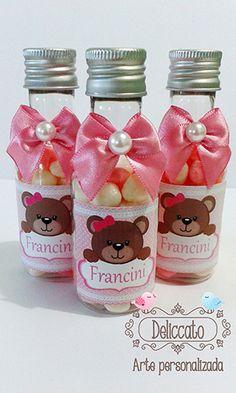 Garrafinha personalizada e decorada ursinha rosa.