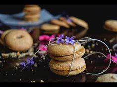 Αφράτα σαμπλεδάκια με μαρμελάδα βερίκοκο. Χρυσαφένια, αφράτα , μοσχομυριστά σαμπλεδάκια, να πλημμυρίζουν το σπίτι! B & B, Truffles, Muffins, Cupcakes, Breakfast, Amazing, Food, Morning Coffee, Muffin