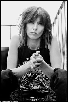 Chrissie Hynde - Born: September 1951 she is lead singer with the Pretenders. Chrissie Hynde, Nostalgia, Rock Hairstyles, The Pretenders, Women Of Rock, Into The Fire, New Wave, Pop Rock, Punk