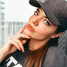 Turkish Beauty, Creative Photography, Rihanna, Baseball Hats, Actresses, Pink, Fashion, Novels, Female Actresses