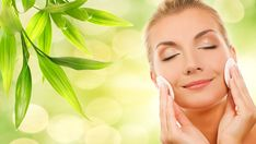 Best Natural Face And Skin Moisturizers - Here are the best natural homemade face and skin moisturizers, free from chemicals and can be made easily by using natural ingredients available in your home. Best Natural Face Moisturizer, Moisturizer For Oily Skin, Homemade Moisturizer, Face Scrub Homemade, Anti Aging Moisturizer, Homemade Blush, Homemade Makeup Remover, Make Up Gesicht, Skin Firming