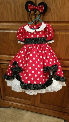 Minnie Mouse dress front for my granddaughters 3rd Birthday.